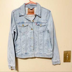 Levis lightwash Button Down Jean Jacket